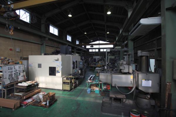 金型工場内部